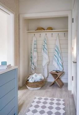 Stylish Coastal Bathroom Remodel Design Ideas 27