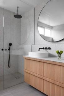 Stylish Coastal Bathroom Remodel Design Ideas 47