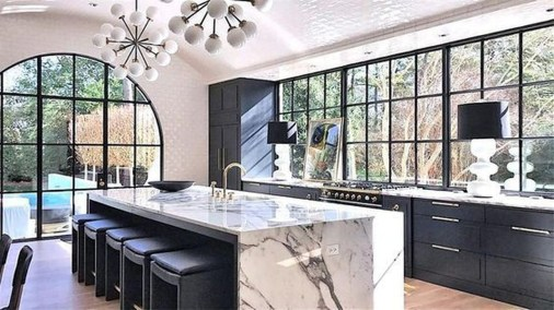 Astonishing Kitchen Remodeling Ideas On A Budget 21
