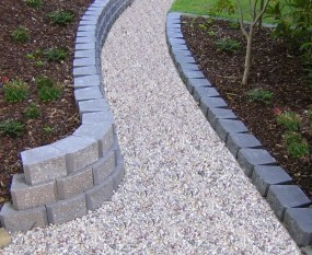 Awesome Small Garden Ideas With Stone Path 04