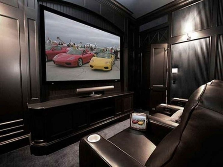 Best Small Movie Room Design For Your Happiness Family 20