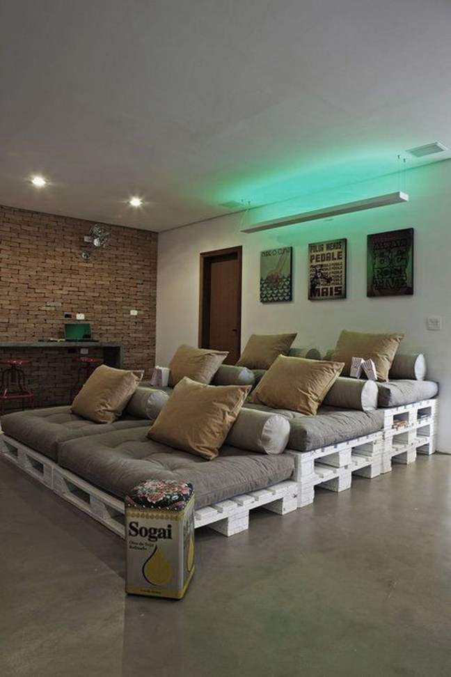 Best Small Movie Room Design For Your Happiness Family 42