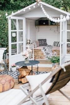 Classy Summer House Ideas For Home Interior 27