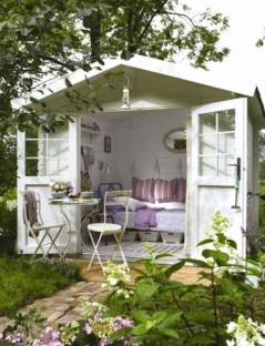 Classy Summer House Ideas For Home Interior 33