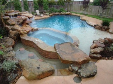 Innovative Small Swimming Pool For Your Small Backyard 29
