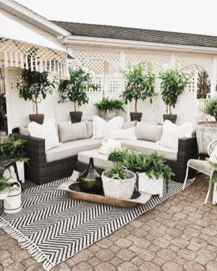 Inspiring Backyard Patio Design Ideas With Beautiful Landscaping 16