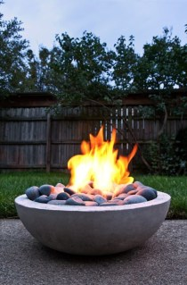 Marvelous Outdoor Fire Pit Ideas To Enjoying This Summer 04