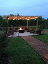Marvelous Outdoor Fire Pit Ideas To Enjoying This Summer 27