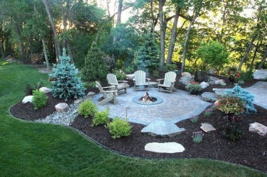 Marvelous Outdoor Fire Pit Ideas To Enjoying This Summer 28