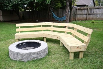 Marvelous Outdoor Fire Pit Ideas To Enjoying This Summer 51