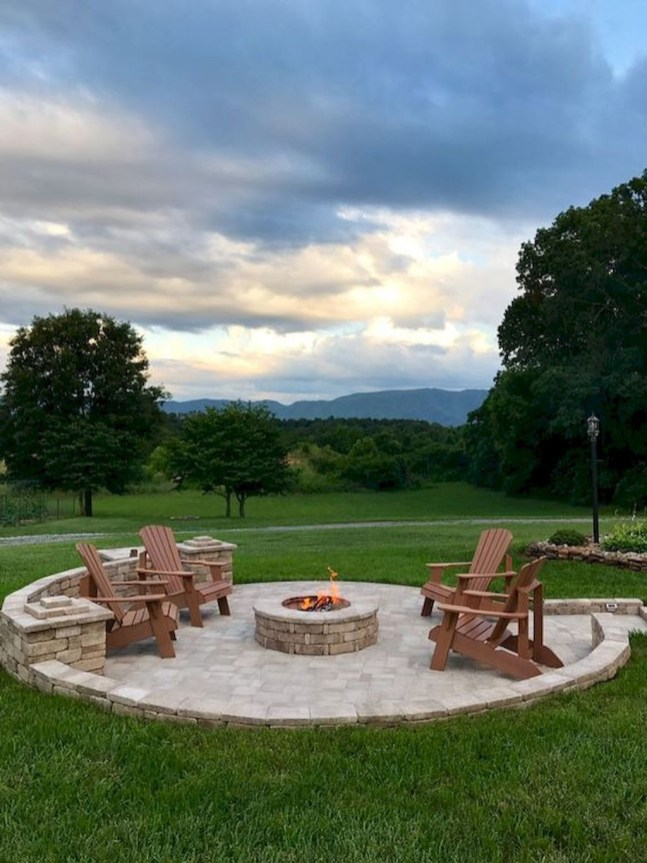 Marvelous Outdoor Fire Pit Ideas To Enjoying This Summer 52