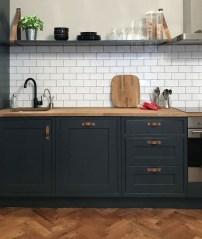 Stunning Wood Floor Ideas To Beautify Your Kitchen Room 41
