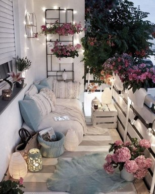 Affordable Decoration Ideas For Small Apartment 06