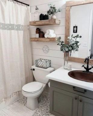 Amazing Bathroom Decor Ideas With Farmhouse Style 08