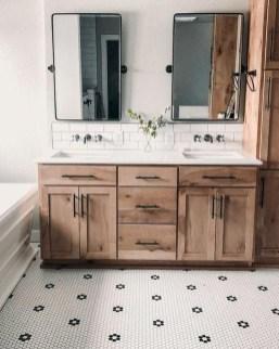 Amazing Bathroom Decor Ideas With Farmhouse Style 11