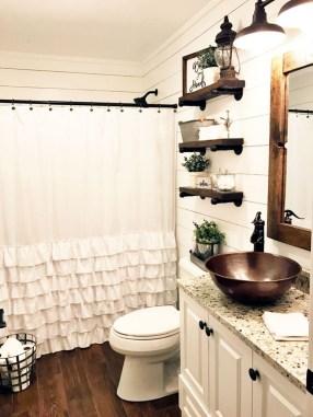 Amazing Bathroom Decor Ideas With Farmhouse Style 17