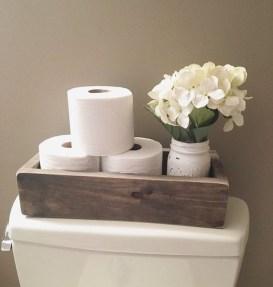 Amazing Bathroom Decor Ideas With Farmhouse Style 30