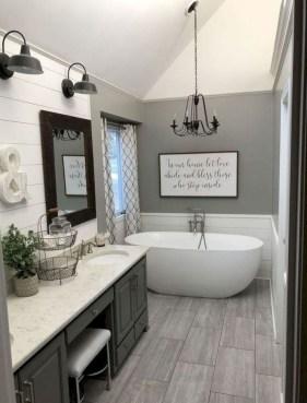 Amazing Bathroom Decor Ideas With Farmhouse Style 34