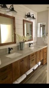 Amazing Bathroom Decor Ideas With Farmhouse Style 37