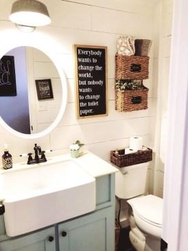 Amazing Bathroom Decor Ideas With Farmhouse Style 42