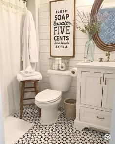 Amazing Bathroom Decor Ideas With Farmhouse Style 47