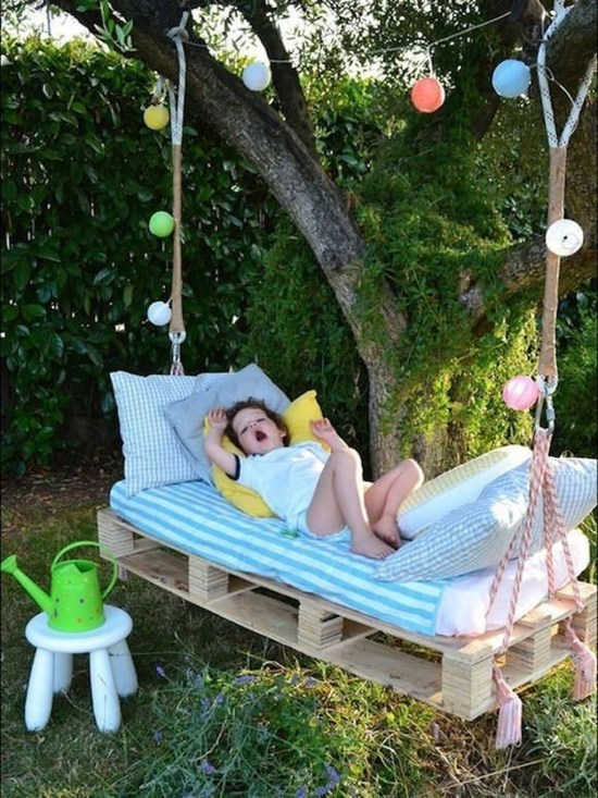 Best DIY Outdoor Furniture Ideas You Can Put In Garden 10