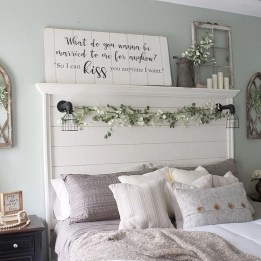 Gorgeous Farmhouse Bedroom Remodel Ideas On A Budget 10