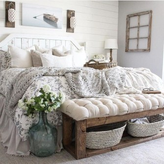 Modern Rustic Master Bedroom Design Ideas 29