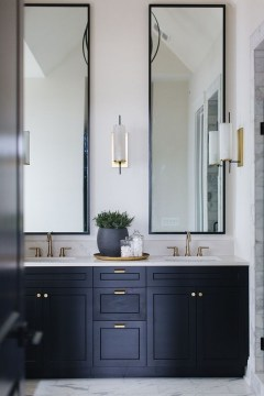 Outstanding Bathroom Mirror Design Ideas For Any Bathroom Model 15