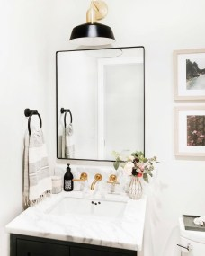 Outstanding Bathroom Mirror Design Ideas For Any Bathroom Model 21
