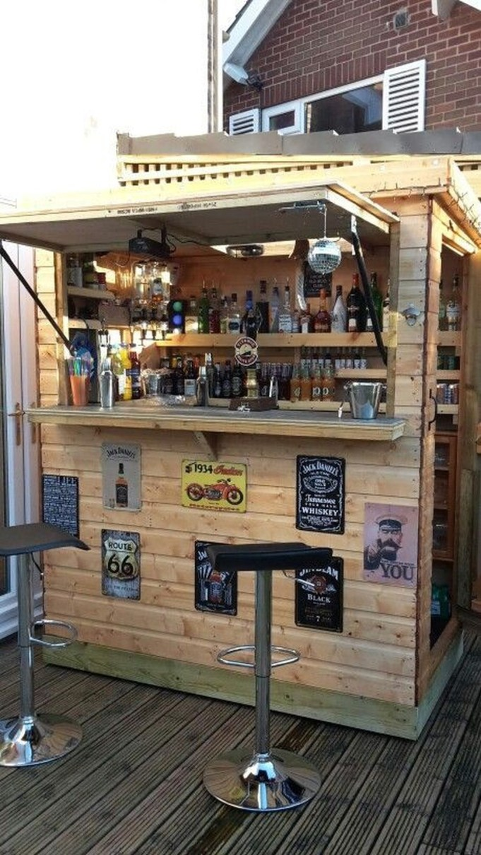 Unusual DIY Outdoor Bar Ideas On A Budget 25