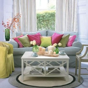 Adorable Colorful Pillow Ideas For Cozy Living Room 02