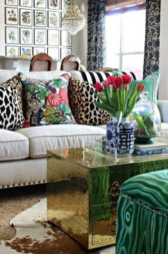 Adorable Colorful Pillow Ideas For Cozy Living Room 26