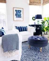 Adorable Colorful Pillow Ideas For Cozy Living Room 47