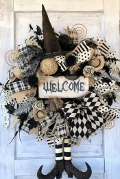 Cool DIY Halloween Decoration Ideas For Limited Budget 39