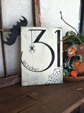 Cool DIY Halloween Decoration Ideas For Limited Budget 45