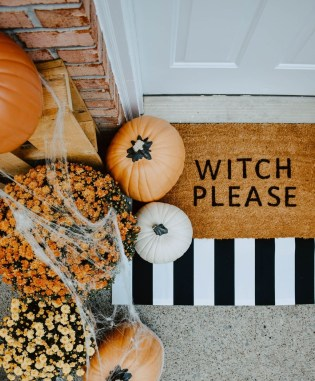 Cool DIY Halloween Decoration Ideas For Limited Budget 46