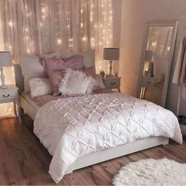 Creative DIY Bedroom Headboard To Make It More Comfortable 30