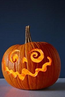 Cute Halloween Pumpkin Decoration Ideas For More Fun 14