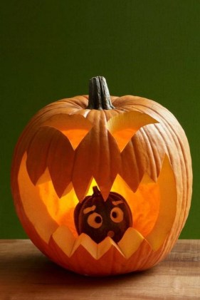 Cute Halloween Pumpkin Decoration Ideas For More Fun 16