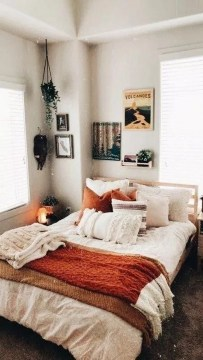 Fabulous DIY Small Bedroom Decoration Ideas On A Budget 27