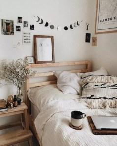 Minimalist Bedroom Decoration Ideas That Looks More Cool 46