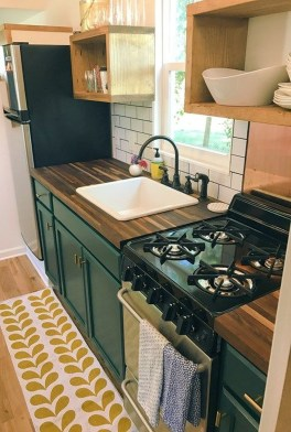 Wonderful Kitchen Cabinets Ideas For Your Tiny House 17