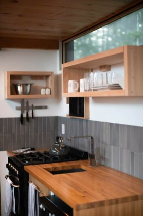 Wonderful Kitchen Cabinets Ideas For Your Tiny House 25