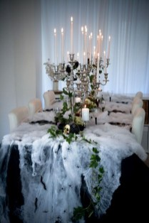 Astonishing Halloween Table Decoration That Perfect For This Year 01