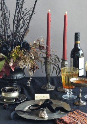 Astonishing Halloween Table Decoration That Perfect For This Year 09