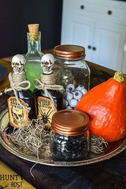 Astonishing Halloween Table Decoration That Perfect For This Year 17