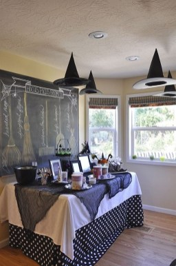 Astonishing Halloween Table Decoration That Perfect For This Year 28