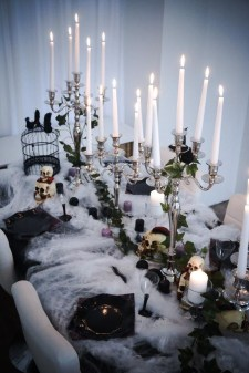 Astonishing Halloween Table Decoration That Perfect For This Year 29
