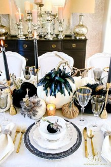 Astonishing Halloween Table Decoration That Perfect For This Year 38